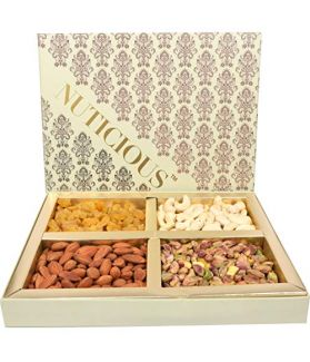 Dry Fruit Gift Pack 600 Gm Assorted Dry Fruits Rosted Almonds,Cashews, Raisins,Pistachios-600ge